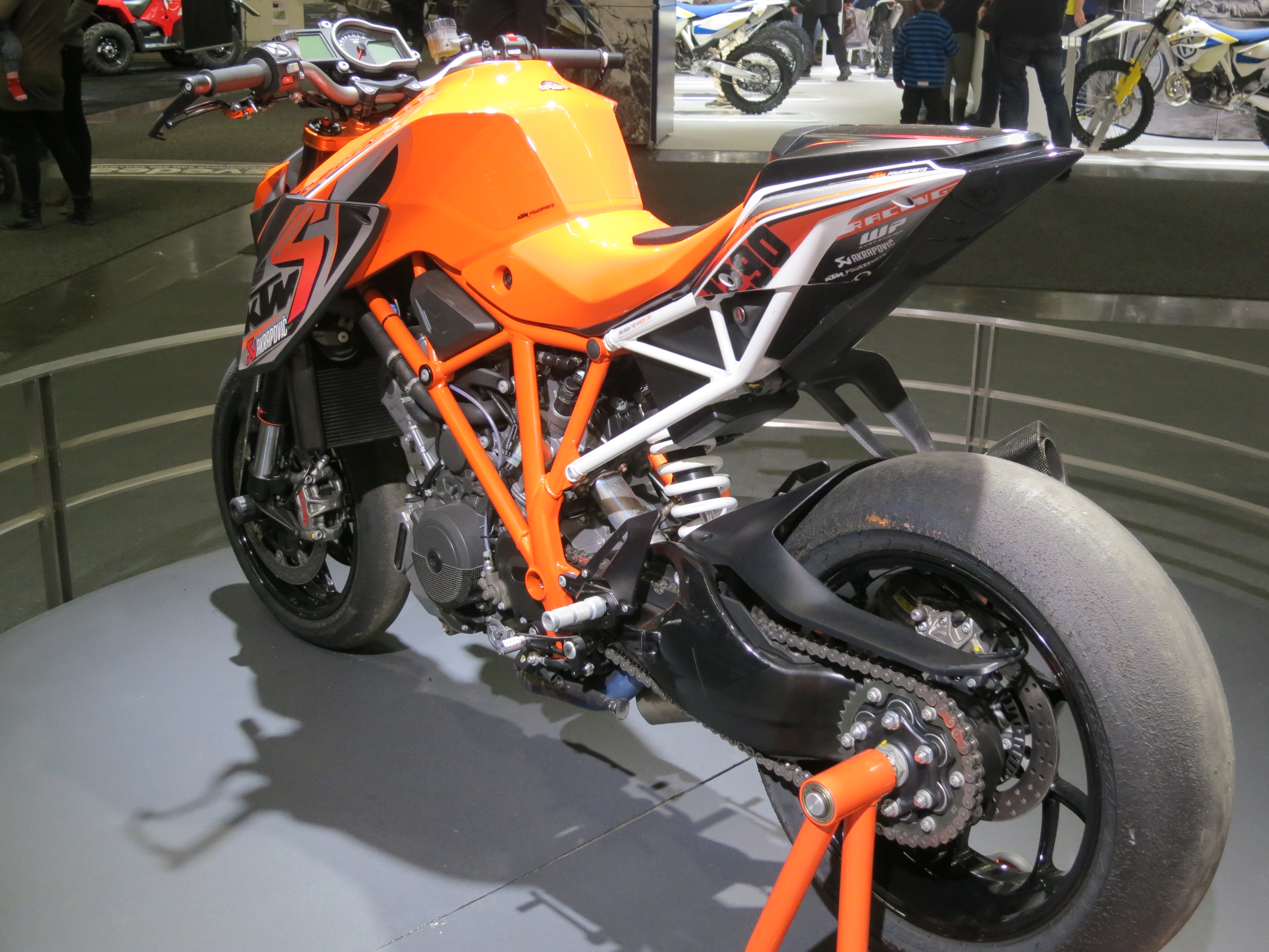 ktm-1290-super-duke-r-2014-2