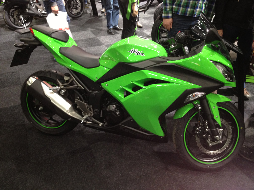 Kawasaki-Ninja-300-2013